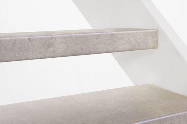 Open trap Voor- & bovenzijde bekleden 12mm HPL CPL Laminaat Licht Beton