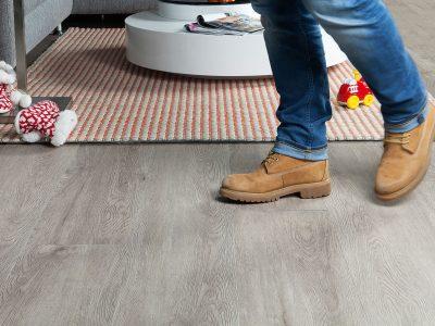 Profitrap-PVC-vloer-8150-grey-oak-sfeer